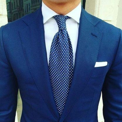 C mo combinar un traje con zapatos caf s asesor de for Nudos de corbata modernos