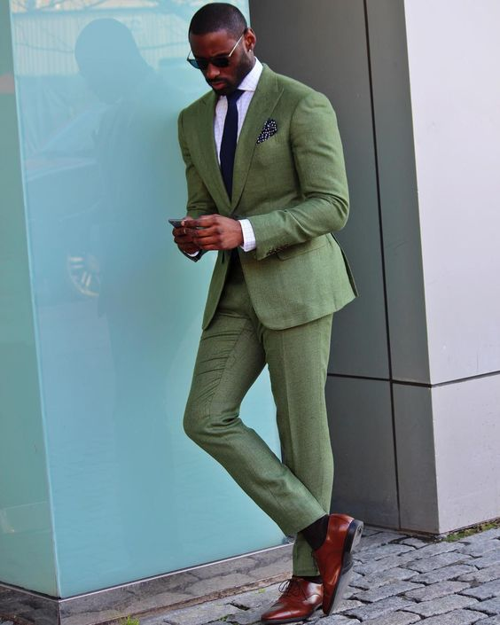 traje_verde_hombre_02
