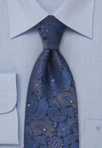 Camisa azul cielo con corbata estampado paisley