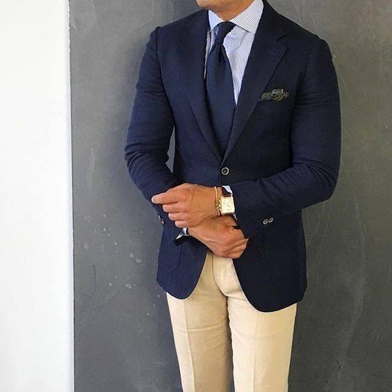 Pantalon Caqui con Saco oscuro